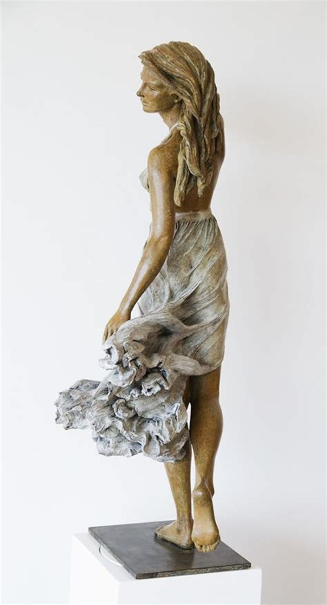 Beauty of female form, sculptures by Luo Li Rong - ego