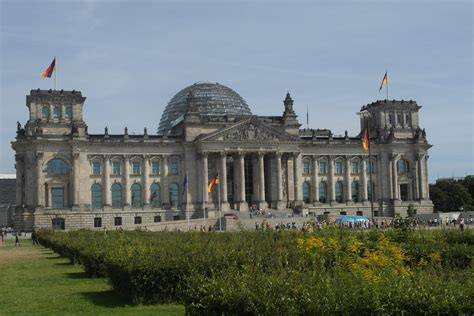 Visit the Reichstag with the German Parliamant Bundestag