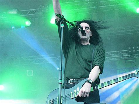Peter Steele Dead - Photo 1 - Pictures - CBS News